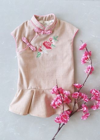 Pink color Dresses . Minisize Me เดรสกี่เพ้า รุ่น Chinese New Year -