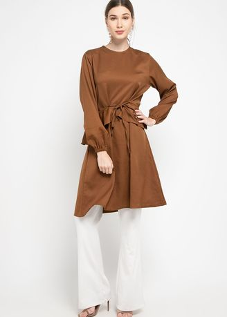 Cokelat color Atasan & Tunik . Hazelnut Nala Tunic - Atasan - Brown -