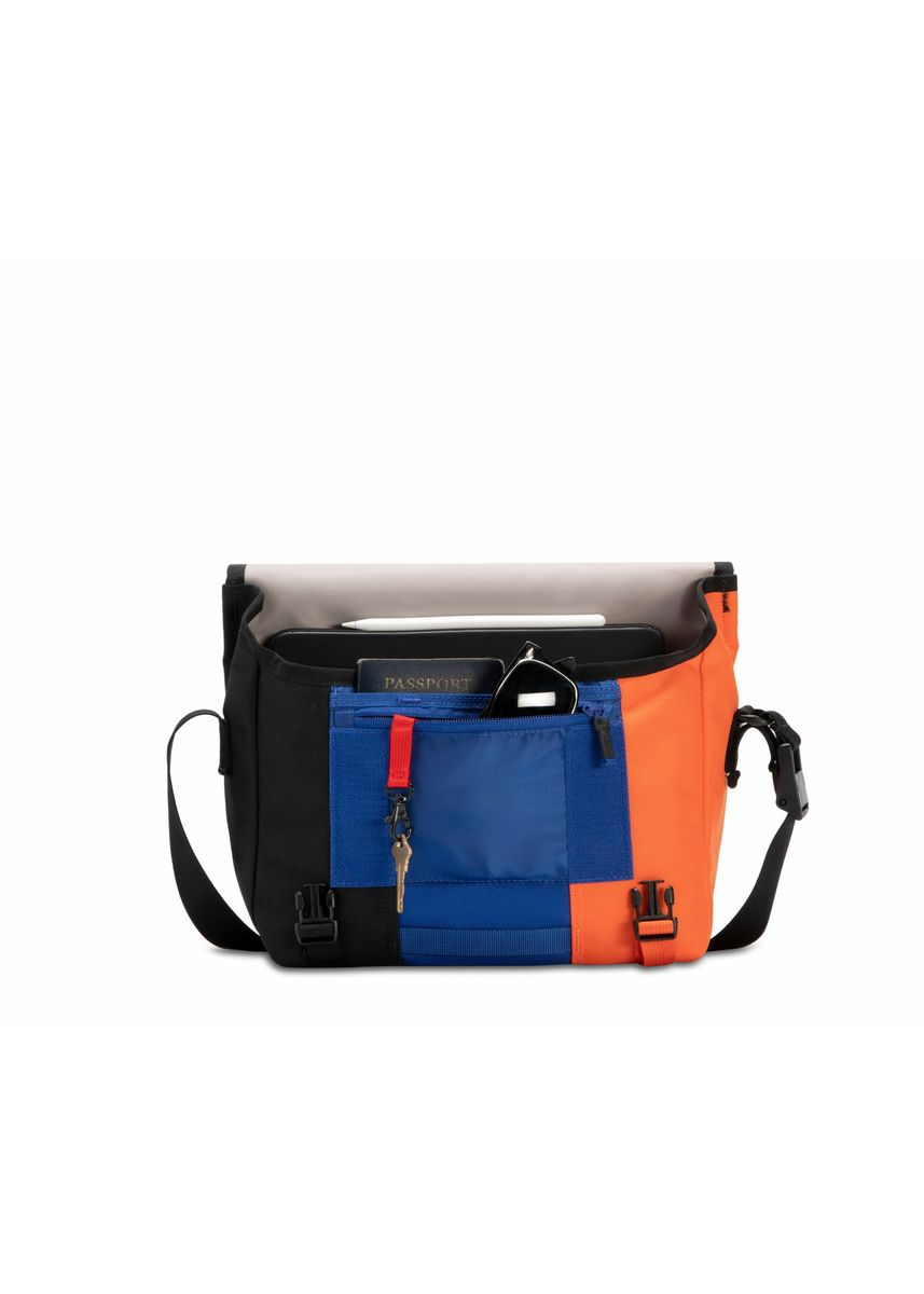 Multi color Messenger Bags . Timbuk2 กระเป๋าสะพายข้าง รุ่น Classic Messenger Bag - Pennant (1108-x-2185) -