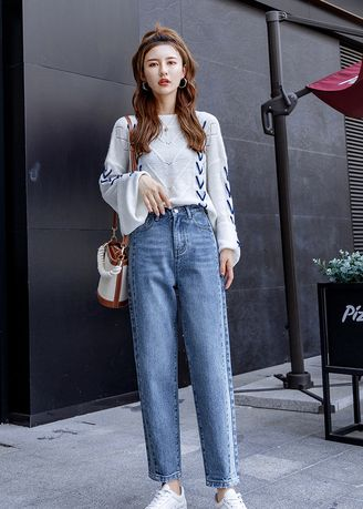 Blue color Jeans . Thin Straight Hole In Restoring Jean -