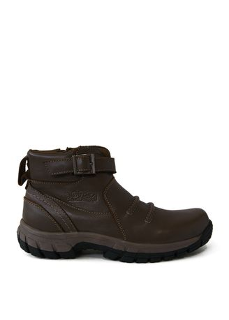 Brown color Boots . Cruise Nuss -
