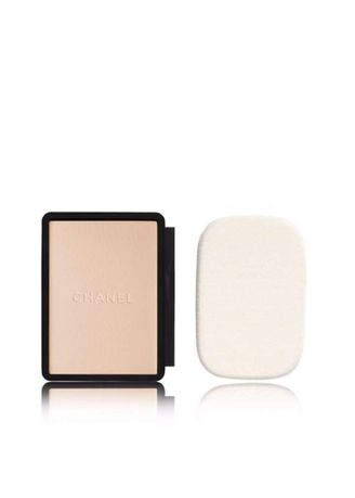 Beige color Face . Chanel- Vitalumiere Compact Doucer Refill13G (# 20) -