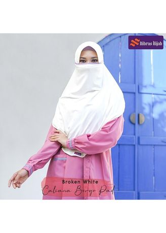 Putih color Hijab . CALIANA BERGO Broken White -