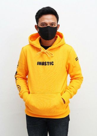 Yellow color Outerwear . jaket hoodie outwear pria inastic premium -