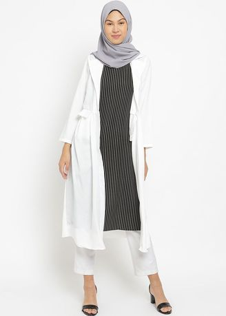 White color Tops and Tunics . PURICIA DRESS MUSLIM AANISAH -
