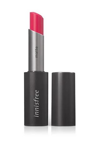 Pink color Lips . Innisfree Real Fit Matte Lipstick 08 3.6g -