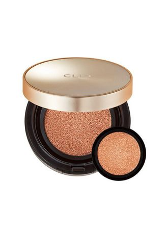 Beige color Face . CLIO Stay Perfect Cover Cushion Foundation - Ginger -