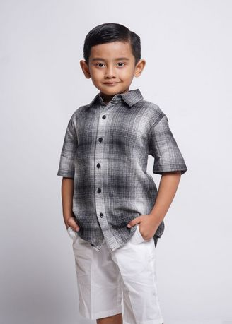 Black color Tops . HASSENDA KEMEJA ANAK BRAMS -