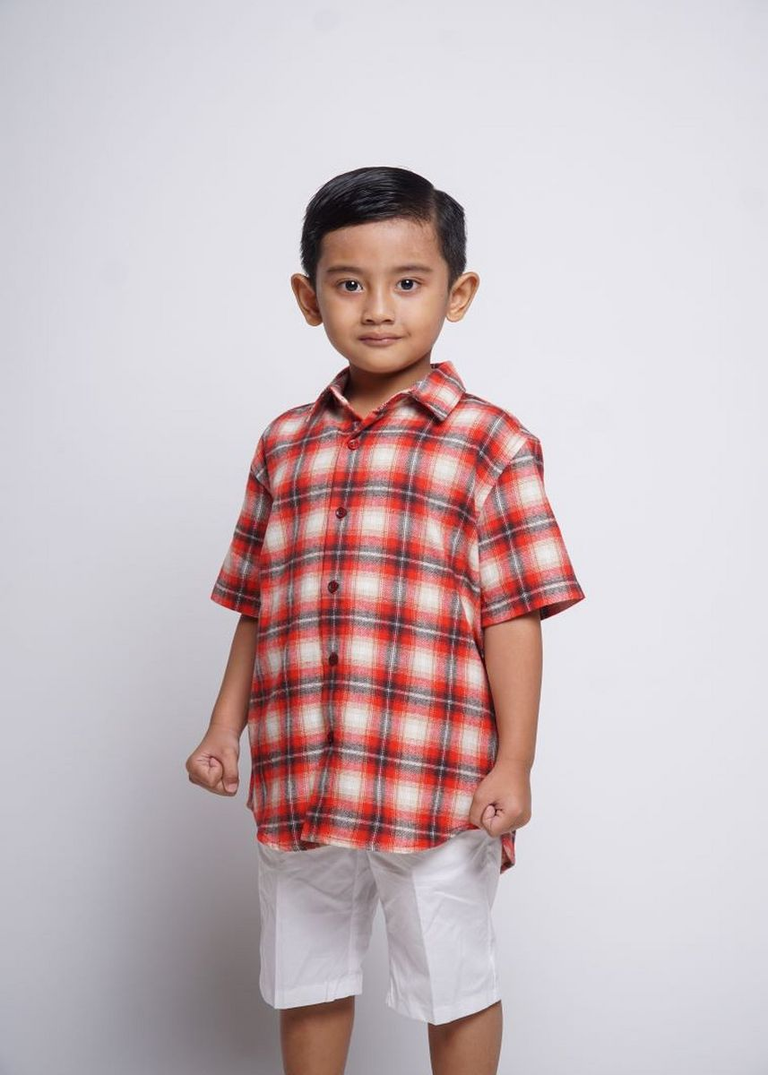Red color Tops . HASSENDA KEMEJA ANAK ROBBS -