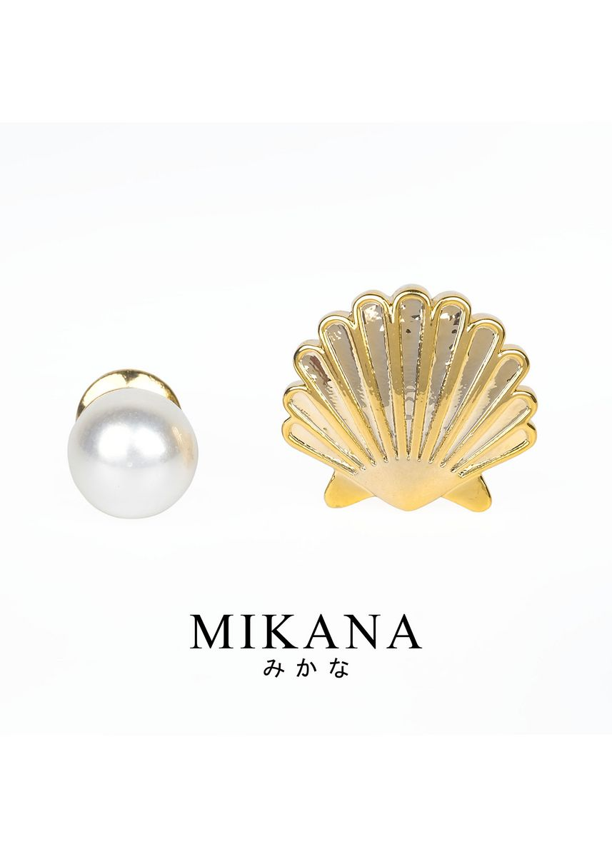 Gold color  . Mikana 18k Gold Plated Clamshell Jewelry Set accessories for women -