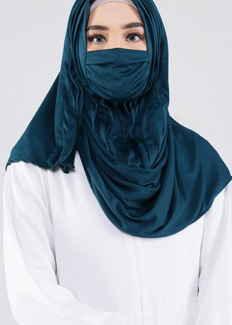 Pine Green color Hijab . Arawinda Hijab Mask 07 Pine Green -