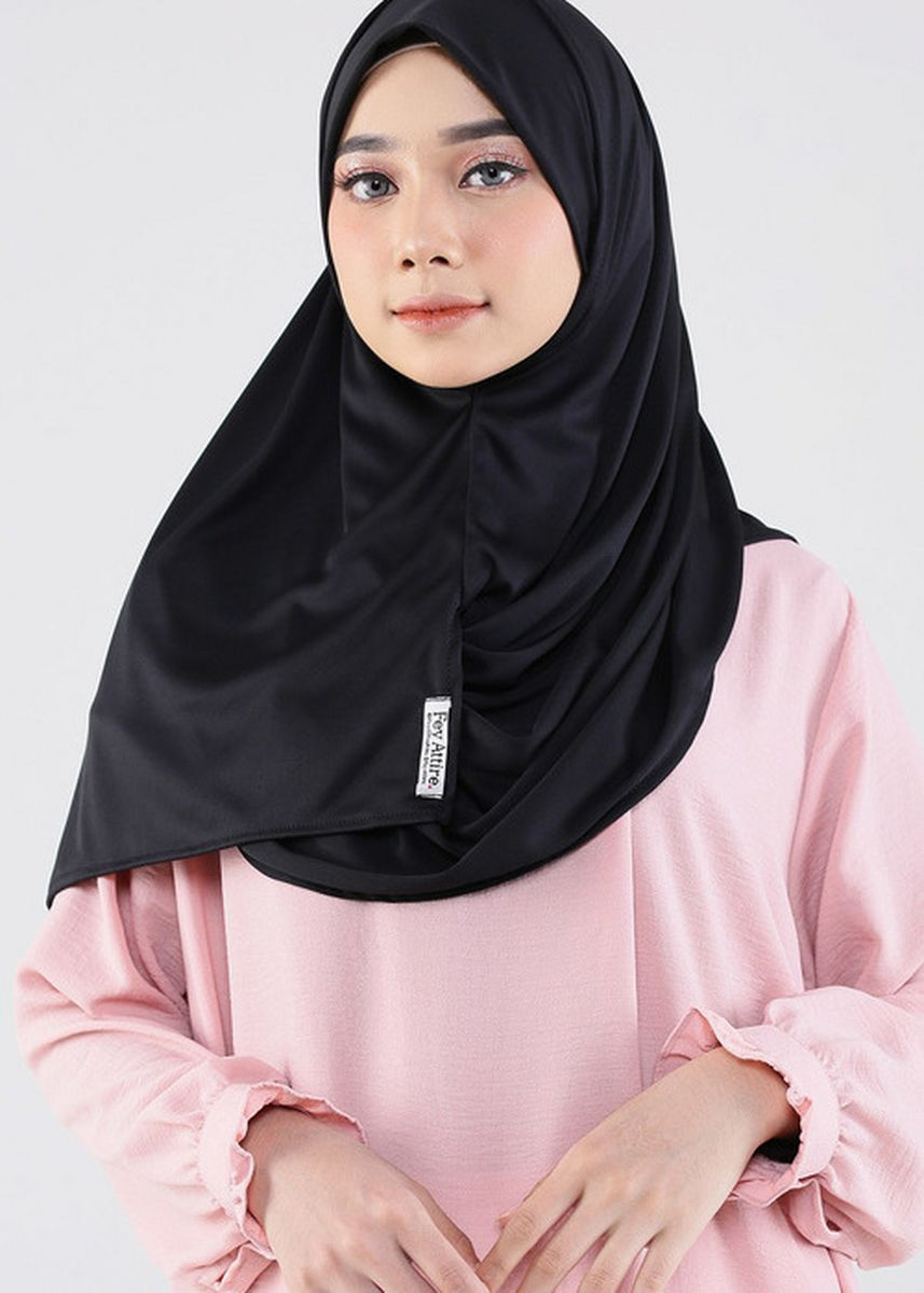 Hitam color Hijab . Syakiya Hijab Mask 02 Black -