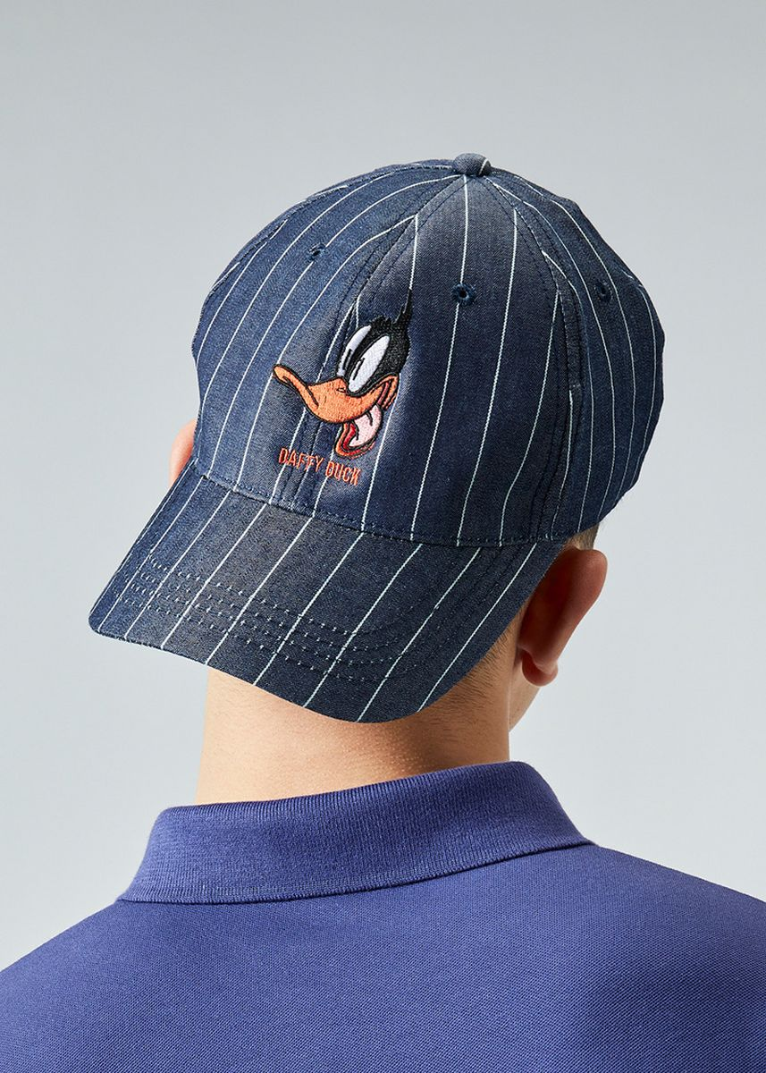 Navy color Hats and Caps . era-won หมวก หมวกยีนส์ หมวกแก๊ป Antibacterial Cap Looney Tunes ลาย Bugs Bunny / Daffy Duck -