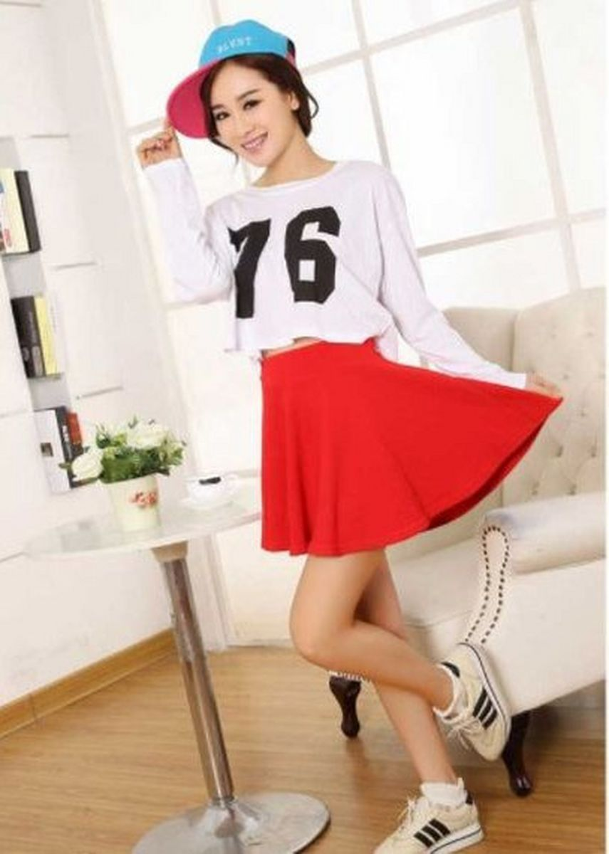 Red color Skirts . กระโปรงสั้น/ ซับกางเกง / Colorful Pleated Skirt -